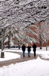 students walk snow 2005.jpg