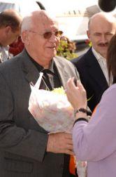 Gorbachev Arrival.jpg