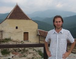 Daniel Hamilton-Lowe Rosnov Castle, Transylvania.jpg