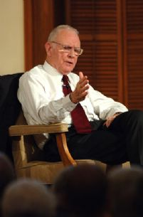 Lee Hamilton 2006 DD 2.jpg