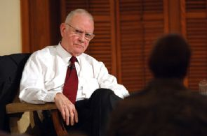 Lee Hamilton DD 2006 3.jpg