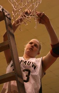 SCAC Champ Liz Bondi MVP 2007.jpg