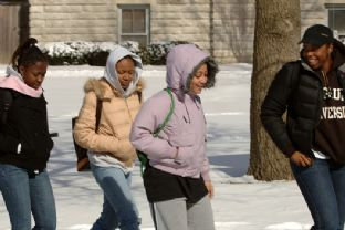 Snow Feb 2007 Students Walk 9.jpg