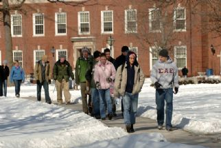 Students Walk Snow 2007 1.jpg