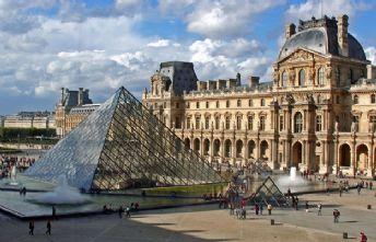 Louvre Museum.jpg