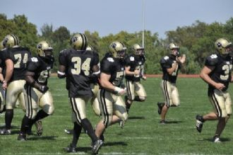 Tiger Football Sewanee 2008 run.jpg