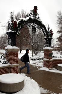 EC Gate Snow Dec 2007.jpg