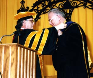 1998 Lee Hamilton Medal.jpg