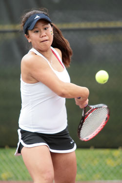 Arita_Janelle_DePauwWtennisaction.jpg