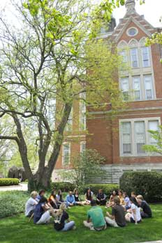East College Class Lawn 2008.jpg