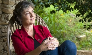 Barbara Kingsolver 2009-s.jpg