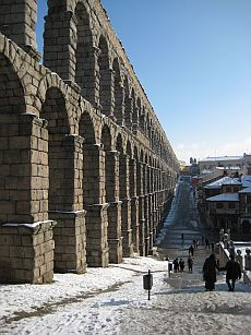 Roman aqueduct in Segovia, Spain.jpg