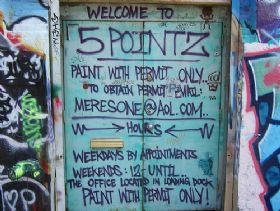5 Pointz sign.jpg