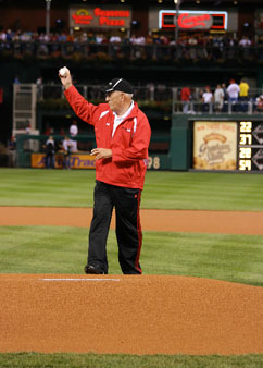 Bill Rasmussen 1st Pitch Sept2009.jpg