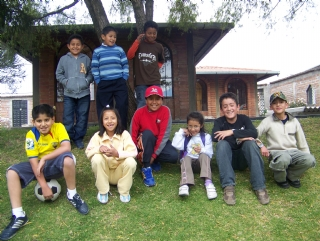Rosemans students in Ecuador.JPG