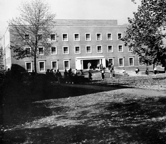 1958 roy o west library bw